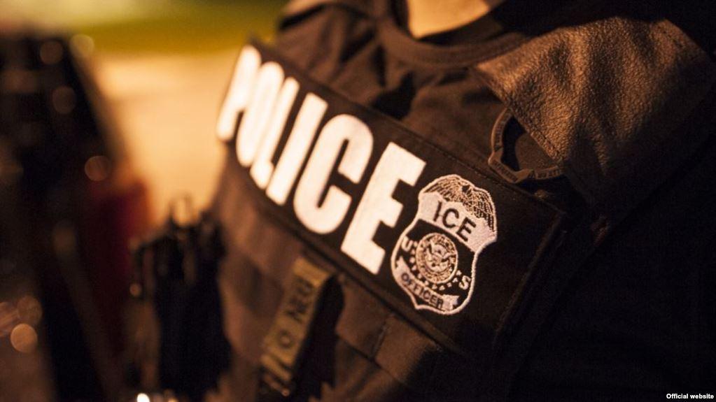 ICE formaliza planes para arrestos en tribunales