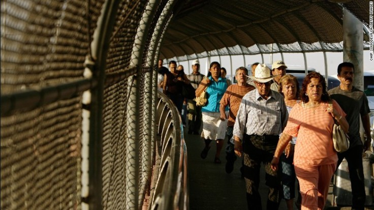 170510172215-02-us-mexico-pedestrian-bridges-el-paso-exlarge-169